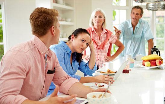 آموزش مهارتهای ارتباط با بستگان همسر