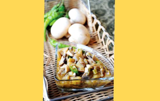 ترشی بادمجان و قارچ