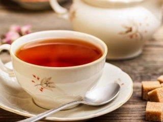 توصیح محققان: بچهها پیش از ۴ سالگی چای بنوشند