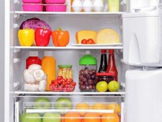 ۱۰ ماده غذایی که اگر در یخچال بگذارید، خراب میشوند