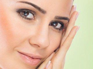 ۸ غذای مفید برای سلامت پوست