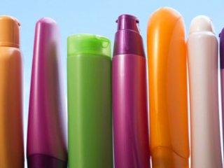ایا نوع شامپو در کنترل ریزش مو موثر است؟