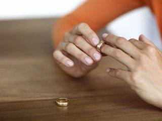 ۴ اشتباه خانمها که منجر به طلاق میشود