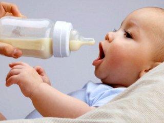 بایدها و نبایدهای مصرف همزمان شیرخشک و شیرمادر