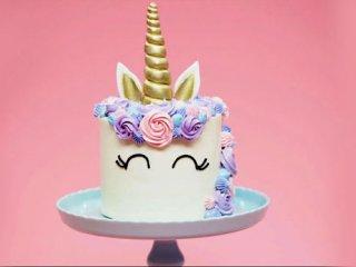 طرز تهیه کیک تولد خانگی