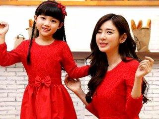 ایده هایی برای ست کردن لباس مادر و دختر به مناسبت روز مادر