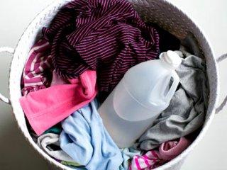 بهترین روش شستن لباسها با سرکه