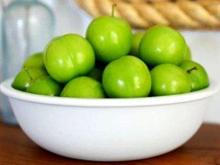 آشنایی باخواص گوجه سبز، این خوشمزه پرطرفدار