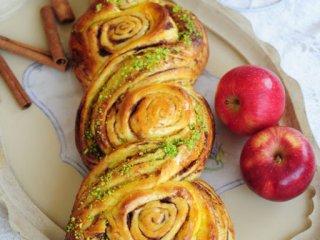 طرز تهیه نان سیب