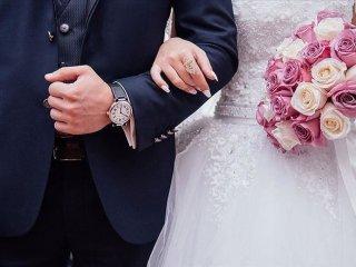 مناسب ترین فاصله سنی برای ازدواج چند سال است؟