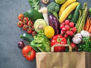 ۲۰ ماده غذایی که افراد ۴۵ سال به بالا باید مصرف کنند