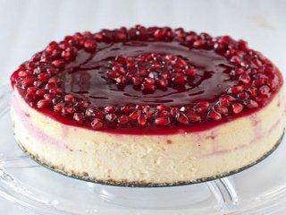 طرز تهیه کیک تیرامیسو انار؛ خوشمزه و خاص