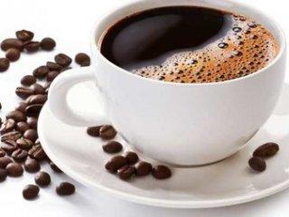 خطر خوردن قهوه و مبتلا شدن به آب سیاه در چشم