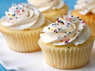 طرز تهیه کاپ کیک وانیلی بدون نیاز به فر