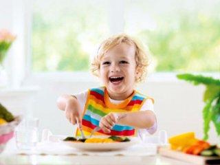 گام به گام تا استقلال کودک در غذا خوردن