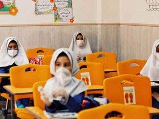 شرط بازگشایی مدارس؛ فعلا ۱۲ سالهها واکسن نمیزنند