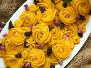 طرز تهیه حلوا آرد برنج شیرازی
