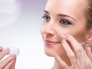 چطور مرطوبکننده مناسب برای پوست انتخاب کنیم