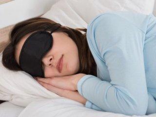 ۱۷ راز جالب برای اینکه شبها سریعتر خوابتان ببرد