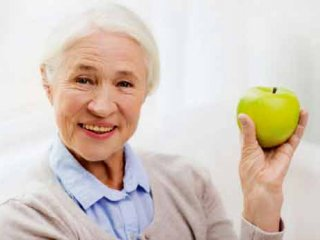 نکات تغذیهای مناسب بیماران مبتلا به آلزایمر