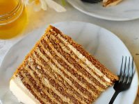 طرز تهیه کیک عسل مرطوب با طعم قهوه