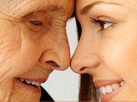 ضرورت تأمين نيازهاي عاطفي سالمندان
