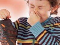 راه حل های خانگی برای از بین بردن بوی بد کفش (2)
