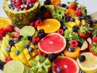 اما و اگرهای مصرف میوه در انواع رژیم غذایی