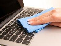 ترفندهای تمیز کردن صفحهکلید کامپیوتر یا لپتاپ