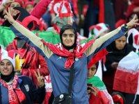 زنان برای تماشای دربی به ورزشگاه آزادی نروند