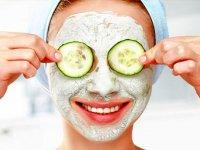 با ماسک خیار و آلوئه ورا پوستی جوان و زیبا داشته باشید