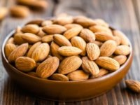 خوردن بادام پوست کنده چه فوایدی دارد؟