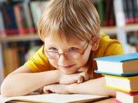 ایستگاه کتابخوانی برای بچه ها