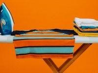 ۸ ترفند  از بین بردن چروک لباس بدون اتو