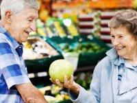 لزوم توجه به تغذیه سالمندان