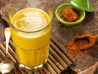فواید شگفت انگیز شیر زردچوبه از سم زدایی کبد تا مبارزه با سرطان