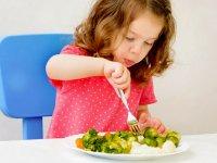 بهترین و بدترین خوراکیها برای کودکان بیش فعال