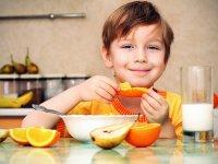 میوهای که هوش کودکان را افزایش میدهد