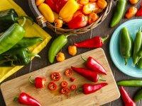 آشنایی با ۶ خوراکی که ضد تجمع چربی هستند