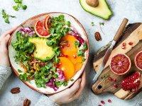 خوراکیهایی که نباید با معده خالی بخوریم