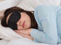 بهترین حالت برای خوابیدن کدام است؛ چپ یا راست؟