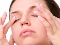 ۴ روش آسان برای احیای چشمهای خسته