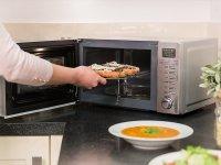 ۴ غذاهایی که نباید در مایکروویو دوباره گرم کنیم