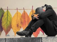 مقابله با افسردگی در پاییز و زمستان با چند راهکار آسان
