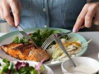 آیا نخوردن شام باعث افزایش وزن میشود؟