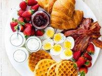 صبحانه بخورید و وزن کم کنید+ دستور تهیه ٣ صبحانه رژیمی