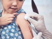 اکنون نیازی به تزریق واکسن کرونا به کودکان نیست