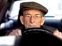 تشخیص زوال عقل برمبنای داده های رانندگی فرد