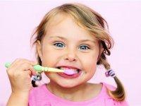 راه حل برخورد با کودکان فراری از مسواک زدن
