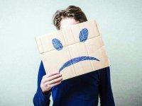 این نشانهها میگویند شما افسردگی پنهان دارید